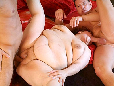 Mature bbw Gaborne is big in every areas and in this scene two guys satisfied her insatiable cooze with lots of cock cramming. She started off by examing their packages with her mouth, slurping them until they got stiff and took one of them in her pussy.